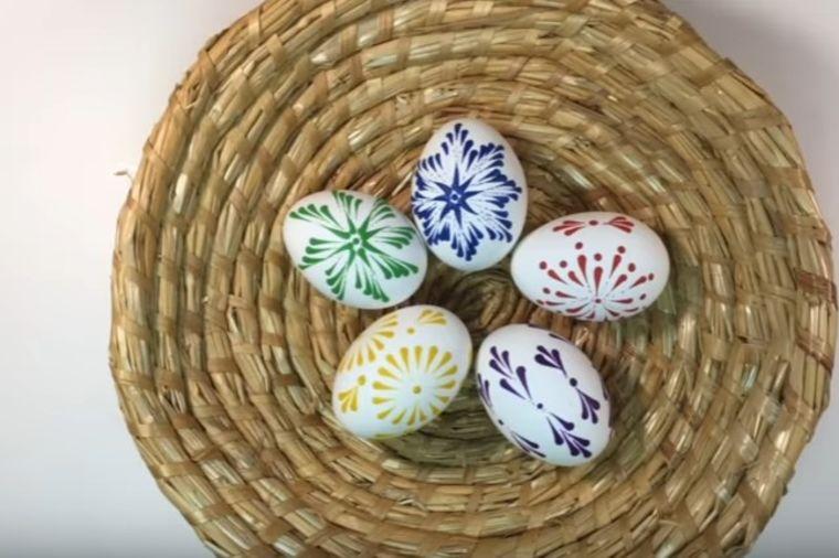 Ukrašavanje jaja voštanim bojama: Nerealno dobra tehnika, svima uspeva! (VIDEO)