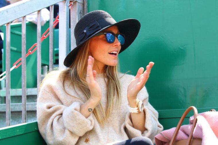 Lepa trudnica Jelena Đoković: Bodrila je Noleta, ali svi su gledali samo nju! (FOTO)