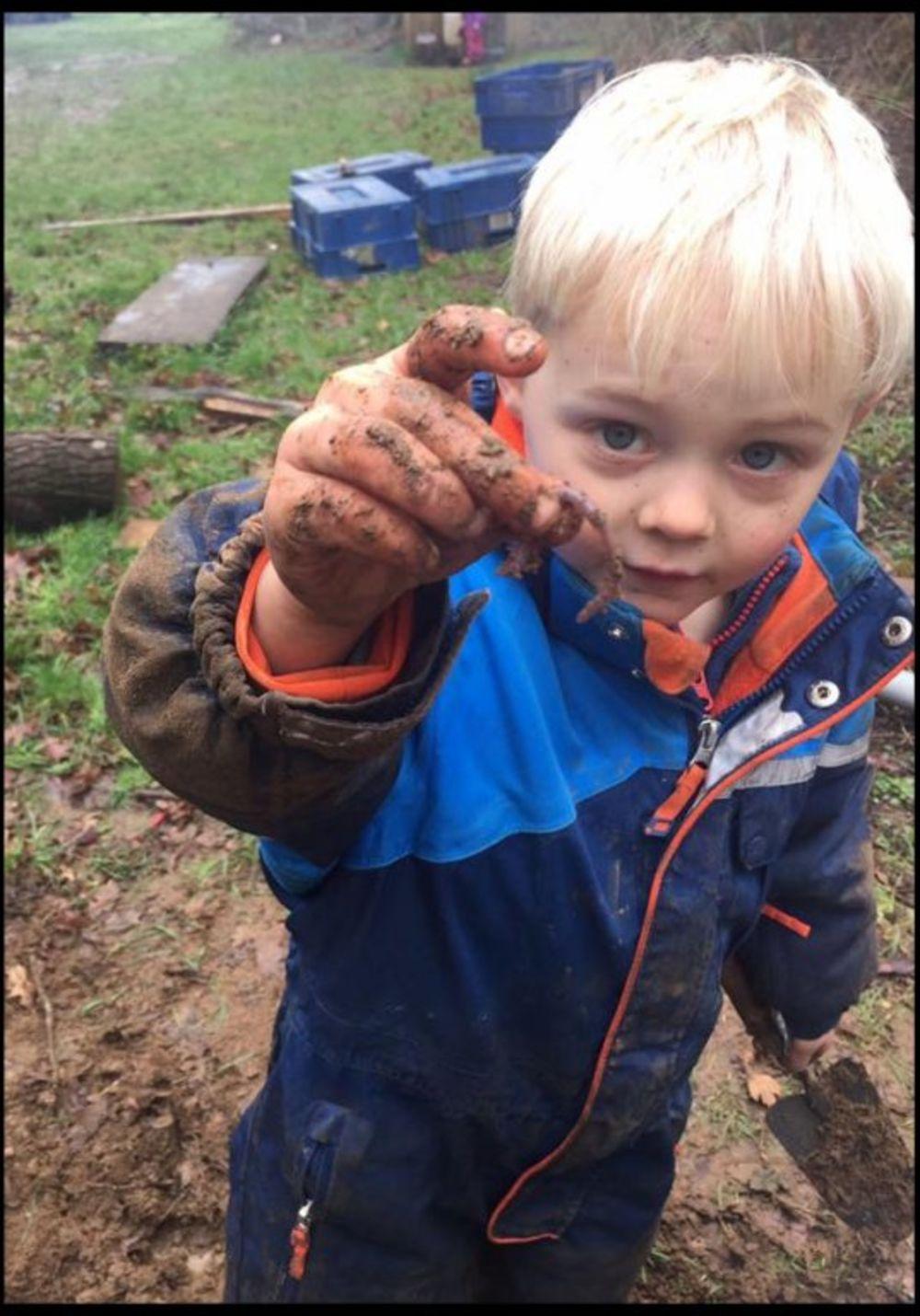 Deca se uče da žive u skladu sa prirodom. Foto: Profimedia