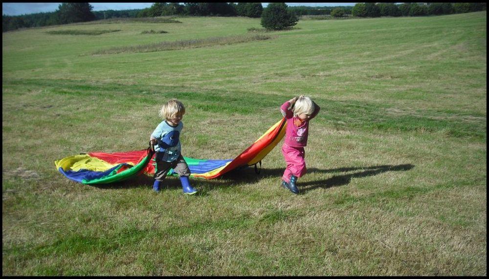 Deci je dozvoljeno da se igraju s čim god žele, pod uslovom da dobro zabave.Foto: Profimedia