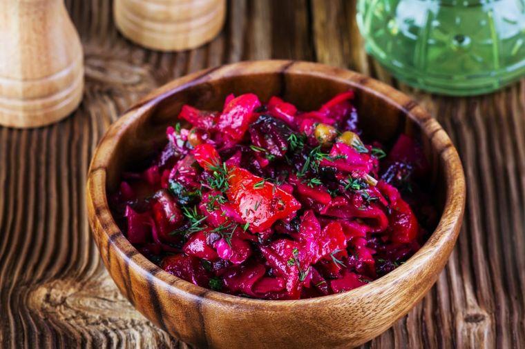 Čudo od salate: Samo jednom porcijom očistićete jetru i debelo crevo! (RECEPT)