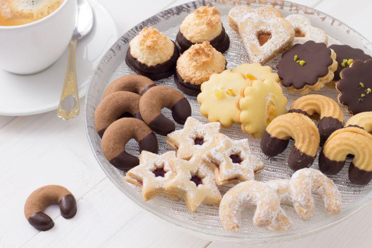 Slatki polumeseci od čokolade: Fini zalogaji kojima niko neće moći da odoli! (RECEPT)