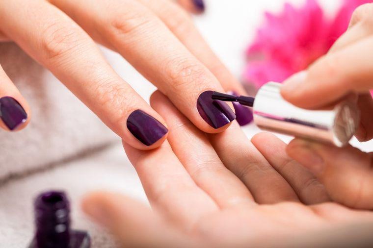Lak za nokte ozbiljno narušava naše zdravlje: Ovo su nuspojave na koje retko obraćate pažnju