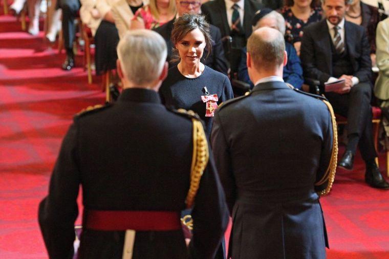 Viktorija Bekam dobila orden, ali nije mogla da se raduje: Jedna stvar je sve uništila! (FOTO)