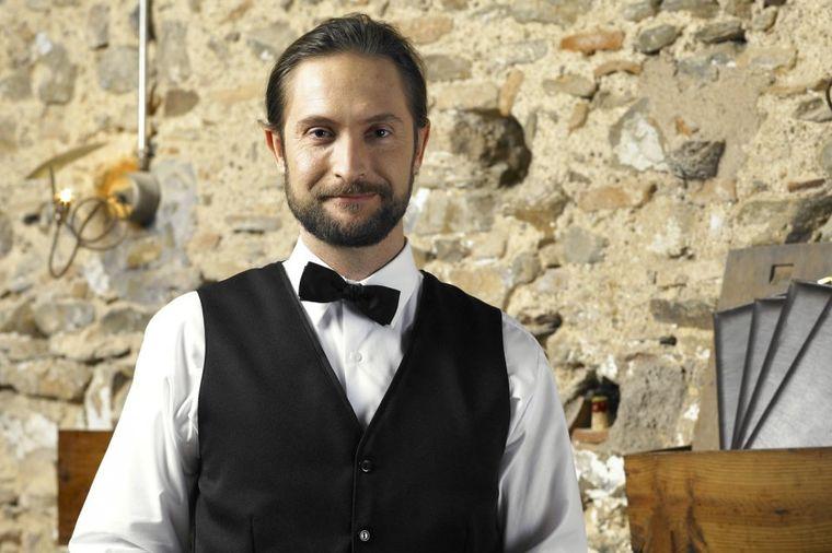 Srpski konobar otvorio dušu: Služio sam slavne zvezde, kraljevske porodice, nećete verovati kakvi su