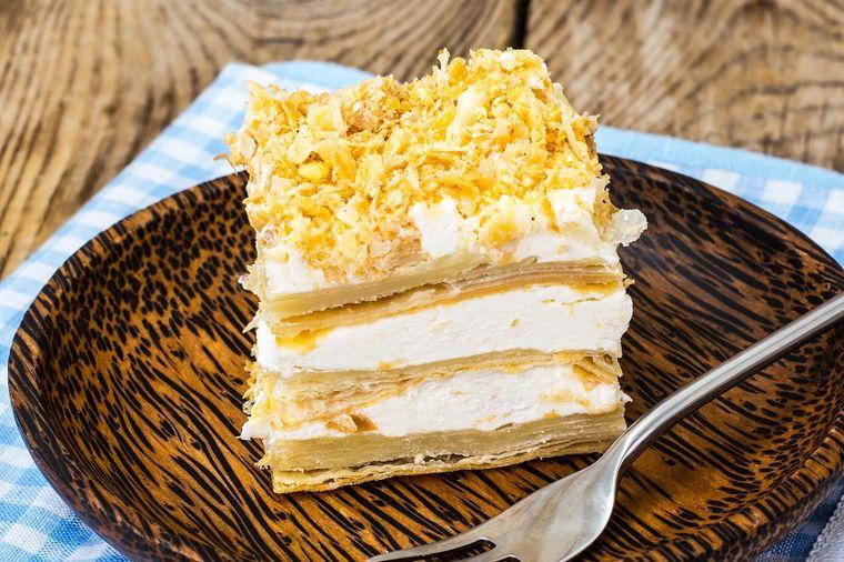 Voćna torta od kora za pitu: Najbrža poslastica ikada! (RECEPT)