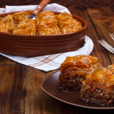 Baklava kakvu do sada niste probali: Najlepša slatka pita sa suvim šljivama! (RECEPT)