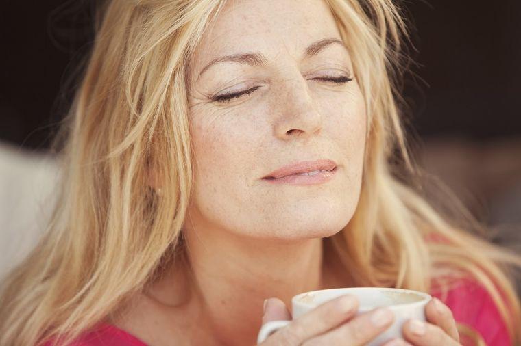 Izbacuje nagomilani šlajm iz grla i pluća: Prirodni lek od kojeg se lakše diše! (RECEPT)