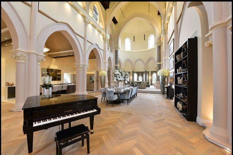 Crkvu pretvorili u luksuznu rezidenciju: Ovako izgleda vrhunac kreativnosti!