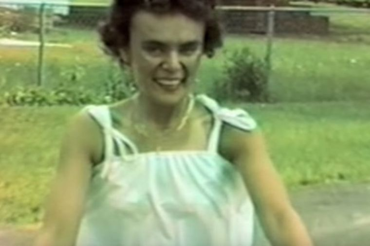 Godinama ignorisao rođenu majku: Na njenoj sahrani shvatio pravu istinu! (VIDEO)
