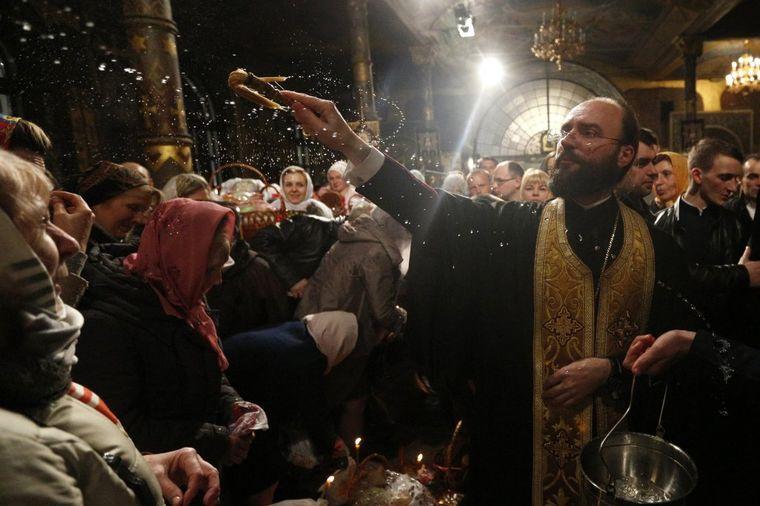 Kako tradicija kaže: Da li su sveštenik i pop isto?