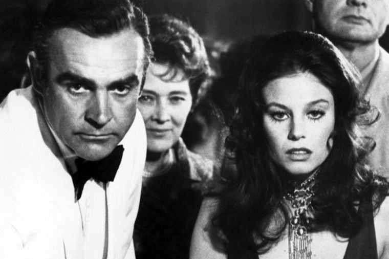 Sunovrat bivše Bondove devojke: Ostala na ulici, ćerka joj bolesna, živi od danas do sutra! (VIDEO)