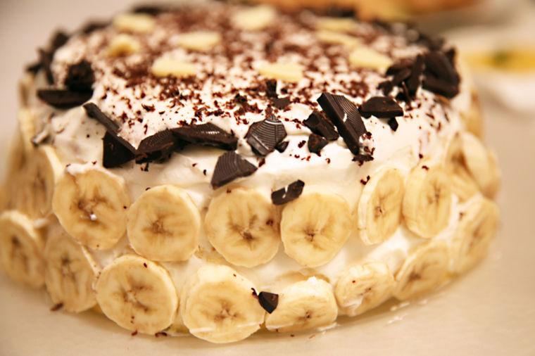 Najbrža banana torta: Pomešaš, filuješ, pojedeš za 15 minuta! (RECEPT)