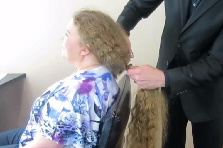 Kosa joj bila duga do zadnjice: Hrabro se odlučila za drastičnu transformaciju! (VIDEO)
