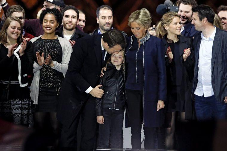 Ovako izgledaju deca prve dame Francuske: Makrona su nazivali budalom! (FOTO)
