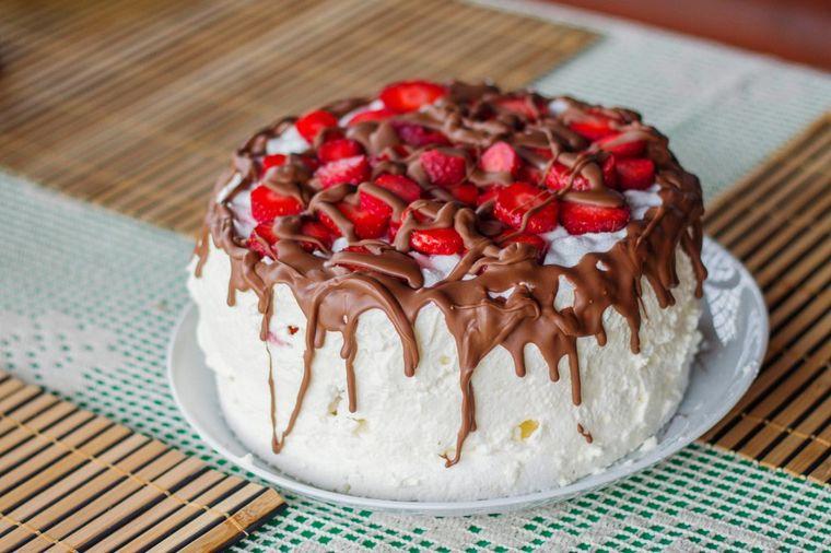 Brza letnja torta bez jaja: Umuti, zaledi i jedi! (RECEPT)