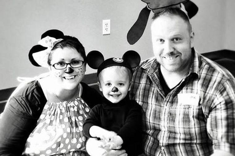 Hteli da usvoje dete: Kad su videli koga još ima, promenili su odluku! (FOTO)