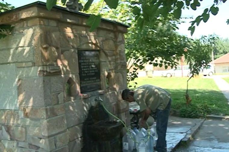 Lekovita voda sa izvora u Sopotu: Besplatni lek čisti sve loše iz tela! (FOTO)