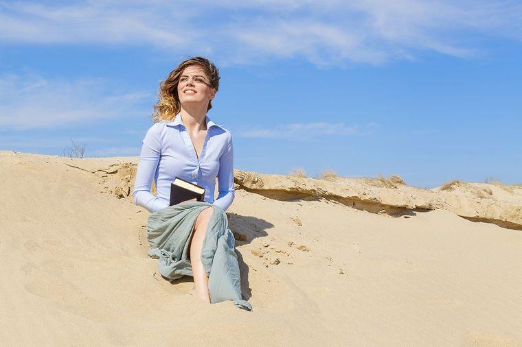 Devojka na plaži, foto: Thinkstock