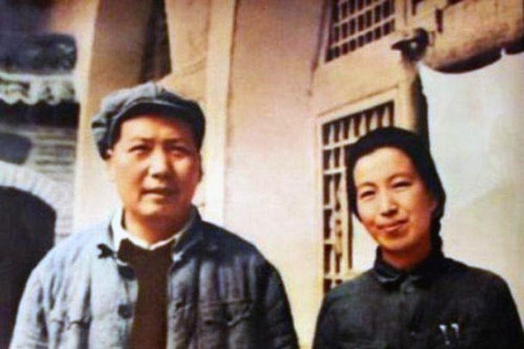 Žena mu podvodila device za orgije: Sablastan život Mao Cedunga i njegove supruge! (FOTO)
