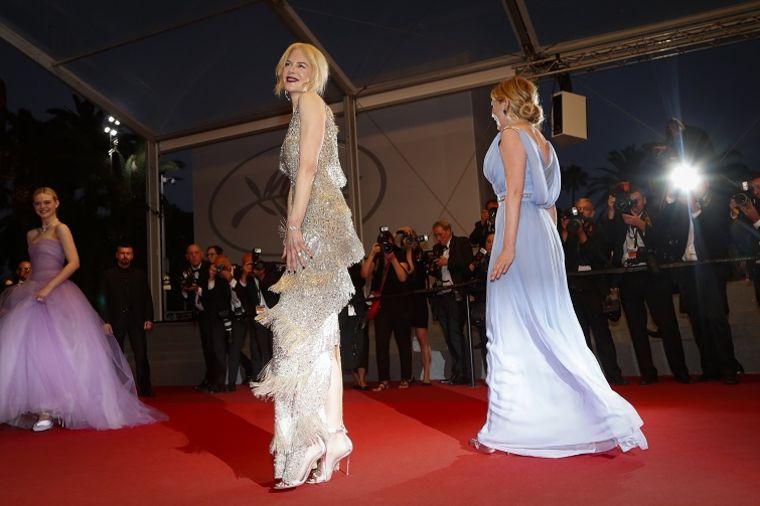 U haljini sa resama zavrtela pamet svetu: Glumica (49) se pojavila 20 godina mlađa! (FOTO)