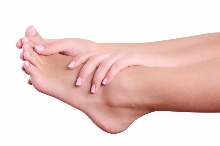 Prolećni pedikir: 88% muškaraca obraća pažnju na ženske pete i nokte, zato obavezno uradite ovo!
