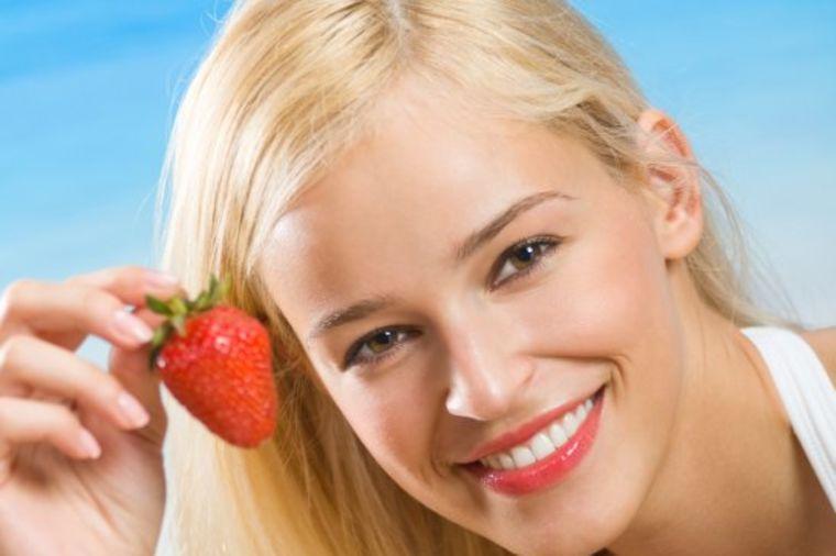 Trule jagode iskoristite za kožu i kosu: 3 recepta za čudesan oporavak tela!