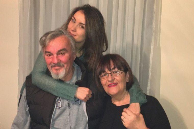 Ovako su se sestre Mićalović oprostile od oca: A ono najmalečko, tebe najviše voli! (FOTO)