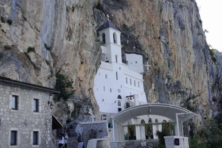 Čudo na Ostrogu: Sveti Vasilije 3. dana vratio Snježanu (15) kući zdravu!