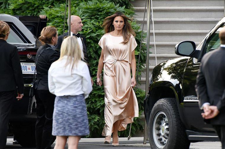 Melanija Tramp prvi put pogrešila: Svilena haljina joj loše stoji? (FOTO)