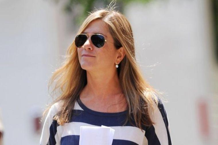 Stiglo izvinjenje nakon 12 godina, Dženifer Aniston u šoku: Bred Pit moli za oproštaj!