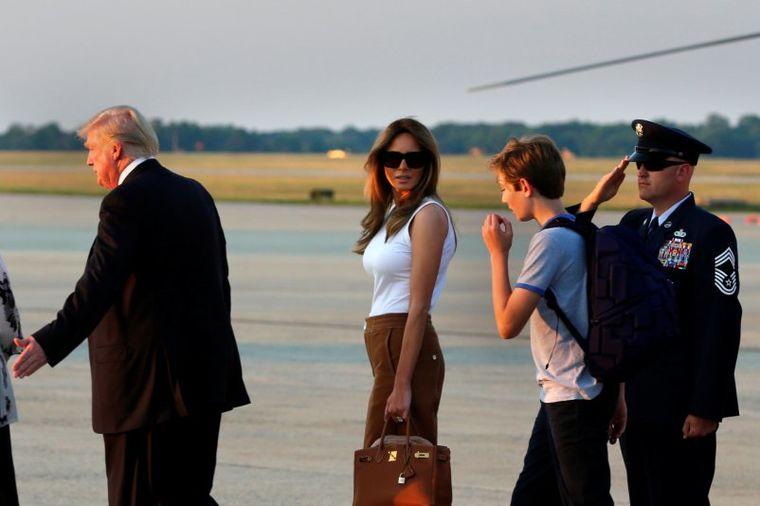 Kućno izdanje prve dame oduševilo svet: Melanija se doselila u Belu kuću! (FOTO)