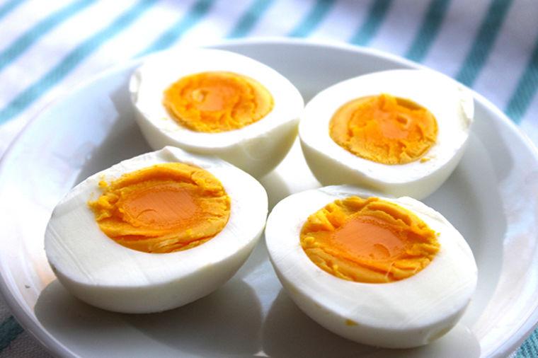 Obrok po vašoj meri: Jednostavan trik za 100% savršeno skuvano jaje! (VIDEO)