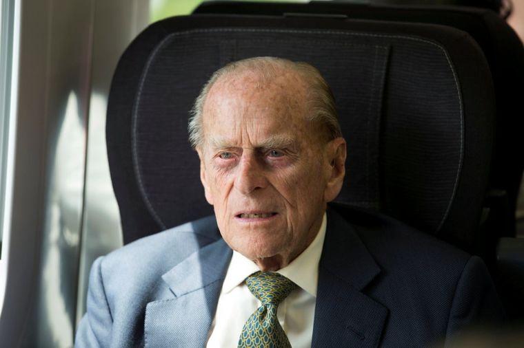 Dan nakon skandaloznog priznanja ubice princeze Dajane: Princ Filip hitno hospitalizovan! (VIDEO)