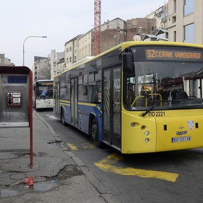 Letnji red vožnje: Do 1. septembra manje autobusa, više čekanja
