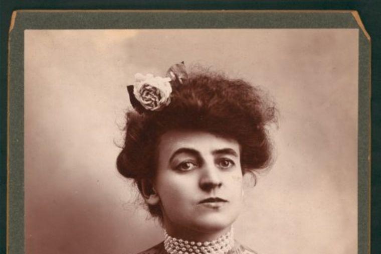 Prva žena tatu majstor u Americi: Na ulici je bila obična, a u cirkusu čista atrakcija! (FOTO)