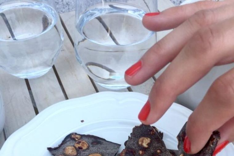 Najukusnija čokolada koju možete napraviti kod kuće: Vaša deca i vi ćete je obožavati! (FOTO)