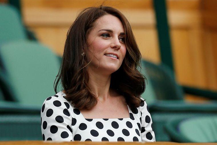 Kejt Midlton svesno krši strogo kraljevsko pravilo: Kraljici Elizabeti se ovo ne dopada! (FOTO)