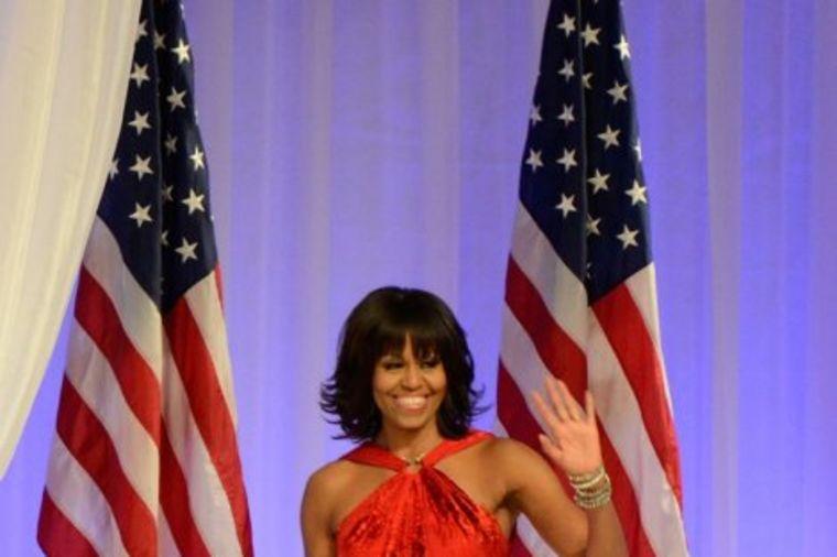 Mišel Obama se napokon oblači kako želi: Pogledajte prethodnu prvu damu u opuštenoj varijanti (FOTO)