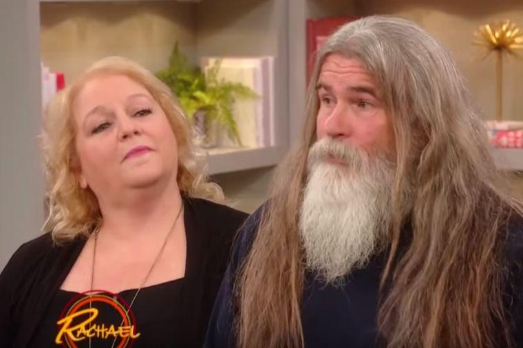 Nakon smrti majke 16 godina puštao kosu: Svi su zanemeli zbog nove frizure! (VIDEO)