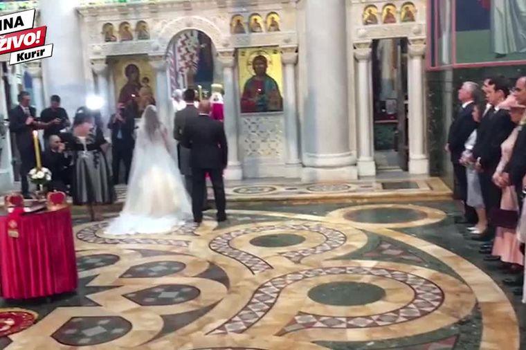 Stigli mladenci i svatovi na Oplenac: Danas se ženi srpski princ Đorđe! (VIDEO)