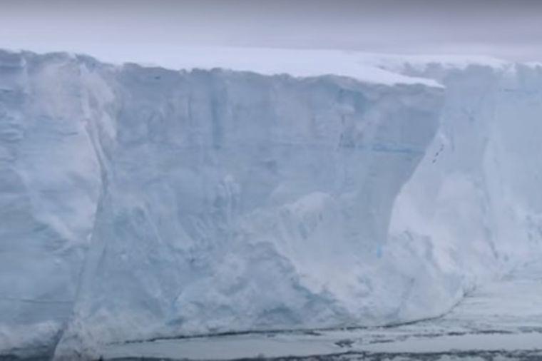 Santa leda odvojila se od Antarktika