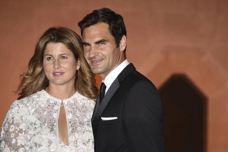 Mirka Federer na meti oštrih kritika: Ima milione, a na crvenom tepihu je katastrofa! (FOTO)