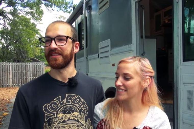 Luksuzna kuća na točkovima: U starom autobusu napravili udobni dom sa 6 prostorija! (VIDEO)