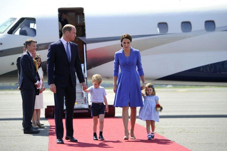 Hajde, mama, idemo: Nestrpljiva princeza Šarlot bacila senku na stidljivog Džordža! (FOTO)