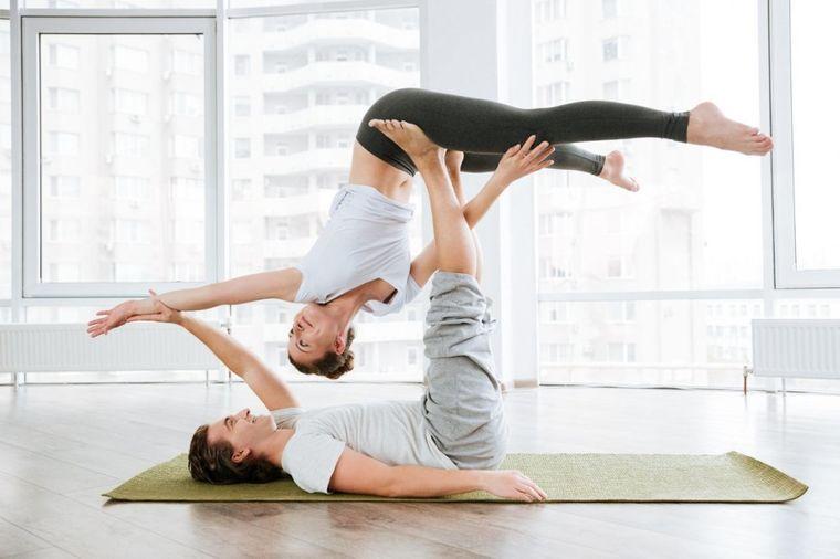 Da li znate šta je partner joga? Produbite intimu,pronađite unutrašnji mir sa voljenom osobom (FOTO)