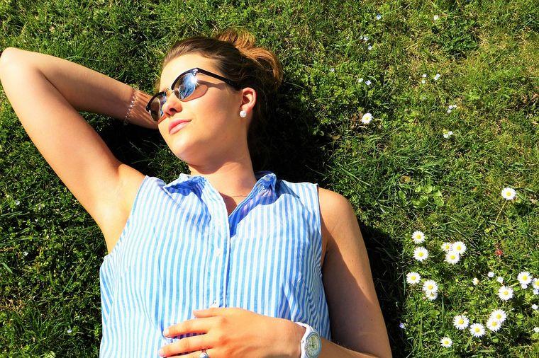 Moderne i lagane majice za sve prilike: Da izgledate sjajno i po velikim vrućinama! (FOTO)
