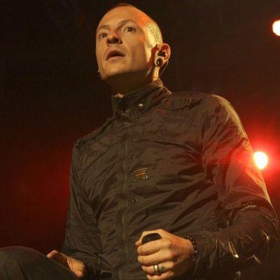 Slavni pevač (41) izvršio samoubistvo: Iza sebe ostavio suprugu i šestoro dece