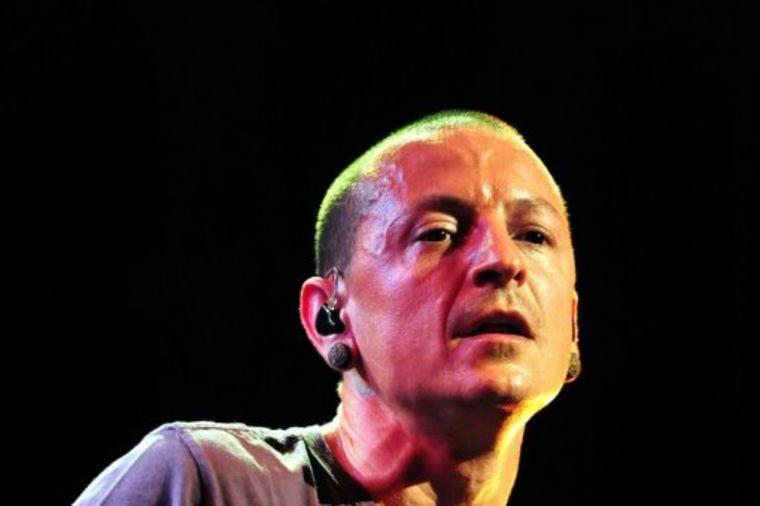 Imao je sve - novac, žene, popularnost i 6 dece: Šta je slavnog pevača nateralo na samoubistvo