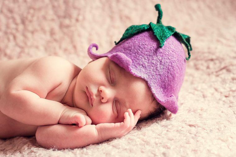 Da vaša beba bude faca od malih nogu: Preslatki bebi-bodiji sa natpisima!